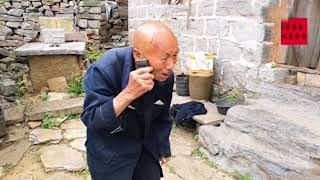 河南輝縣山區,80歲老兩口的中午飯是這樣做的,你喜歡吃嗎? 【卢保贵视觉影像】
