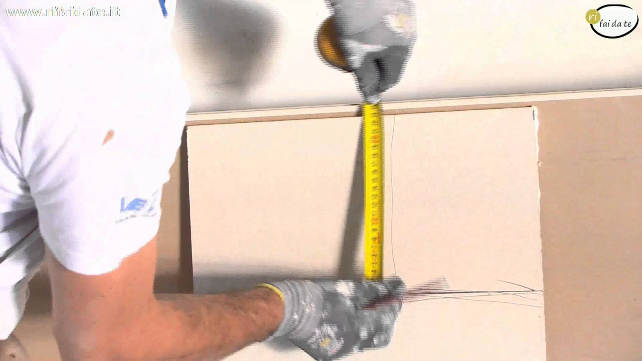 Come costruire un controsoffitto in cartongesso - YouTube