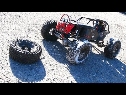 RC ADVENTURES - Busted Wheel - The Black Widow - Custom 4x4 Offroad Axial Wraith