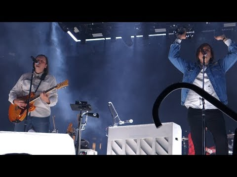 Arcade Fire - Neighborhood #1 (Tunnels) – Live in Oakland