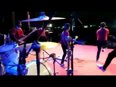 SALAM SATU JIWA AREMANIA - KEN AROCK - LIVE SATDION ARJUNA MALANG