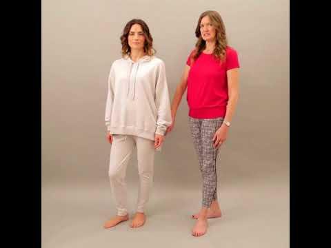 Discover our organic cotton Cloud 9 yoga pants.