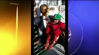 Missing: President Obama Statue
