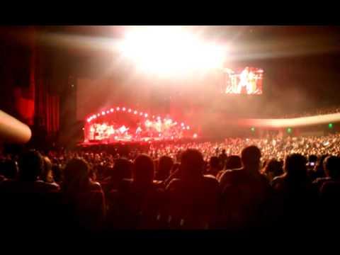 Ver Video de Natalia Lafourcade Amarte Duele/Casa-Natalia Lafourcade [Auditorio Nacional] 041115