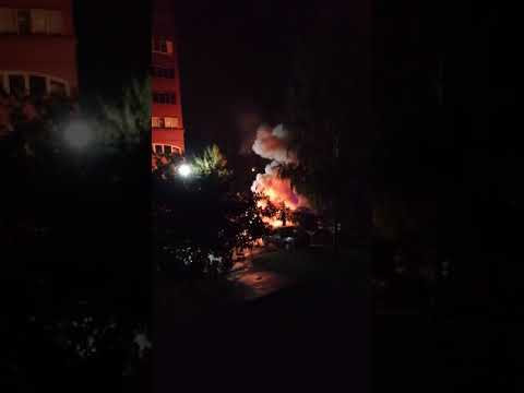 Появилось видео взорвавшегося автомобиля на улице Офицерской в Тольятти