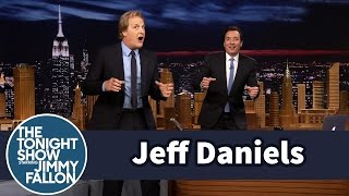 Jeff Daniels Demonstrates the Big Bay Shuffle
