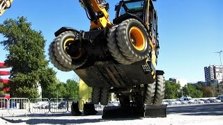 New JCB Hydradig Demonstration - Diggers at Work - JCB Excavator Technical Fair - JCB CML