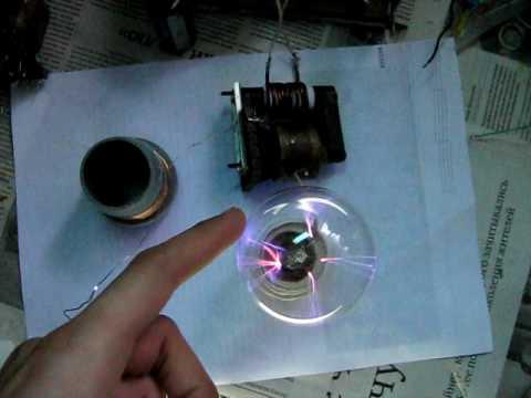Плазменный шар из лампы