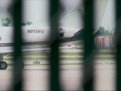 Raw: Lil Wayne's Jet Makes Emergency Landing