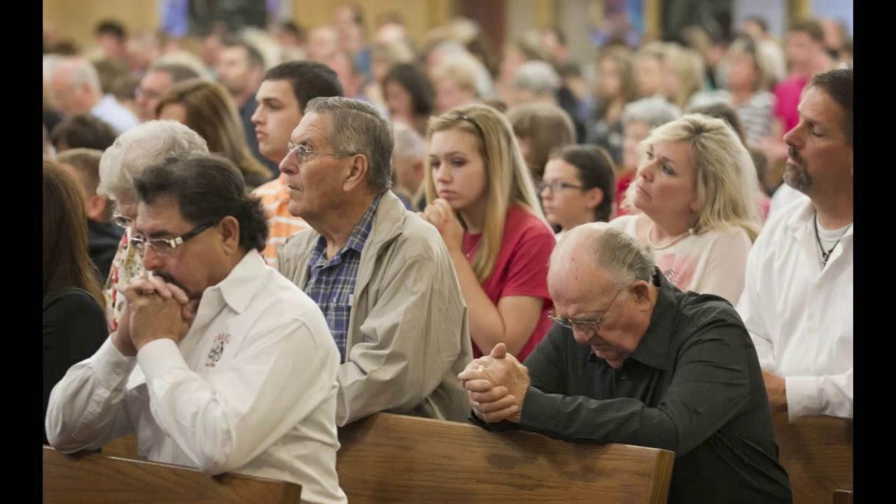 church offering prayer - 800×497