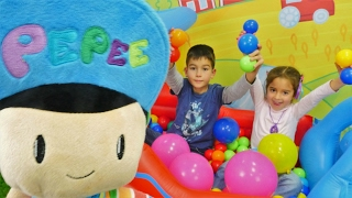 #Çocukvideo Eren Ceylin için sürprizler hazırlıyor. Türkçe izle! Çocuk oyunları