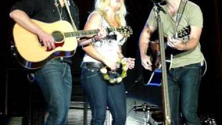 Miranda Lambert, Josh Kelley, Eric Church sing Take a Load Off Annie at SC State Fair 10-15-10