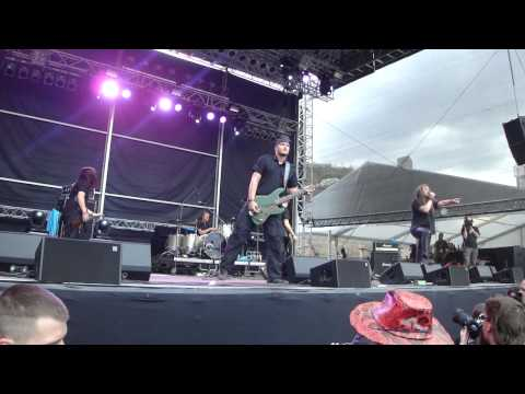 Kypck - Chernaya Dyra (live at Brutal Assault 2011) [HD] mp3