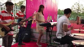 Soundcheck hậu trường Ê-Kíp ban nhạc show sự kiện ( Cty VLXD HỒNG QUANG )
