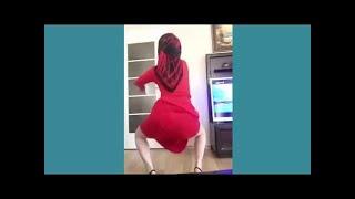 Çılgın dans eden  kadınlar
