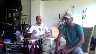 Ricardo Guerra e Orlando Costa ( congas e bongô.MOV )