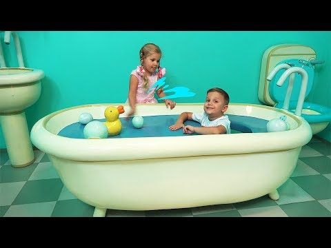 Diana And Roma Fun Play At The Theme Park Peppa Pig