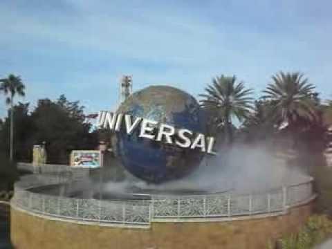 Universal Studios Orlando - Globe spinning