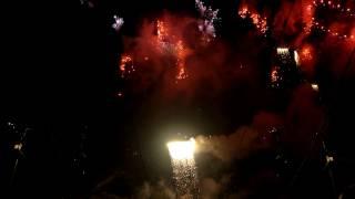 Pražský novoroční ohňostroj 2015 / Prague New Year's Eve Fireworks 2015 - 4K Thumbnail