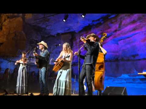 Dave Rawlings Machine - Pilgrim You Cant Go Home