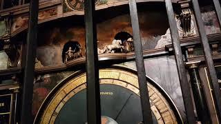 스트라스부르광장 노트르담대성당 안의 특별한 벽시계