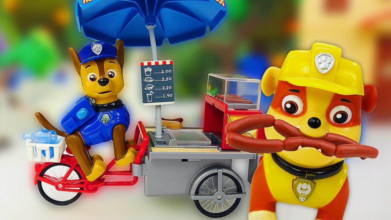 Видео про Щенячий Патруль - игрушки. Щенок Чейз прыгнул в реку! Щенки спасатели спасают друзей!