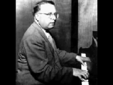 Lev Oborin plays Brahms Klavierstücke Op.119 (2/2)