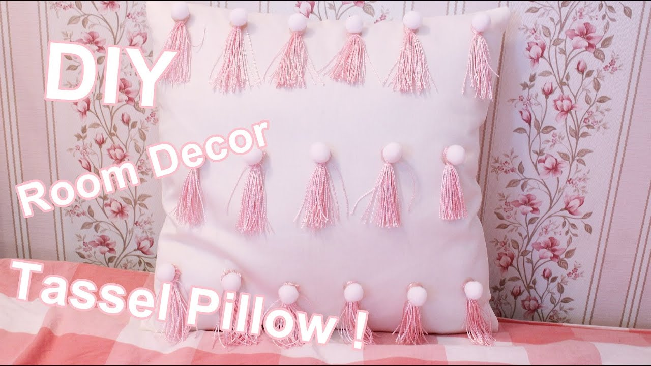 DIY Room Decor: Tassel Pillow !