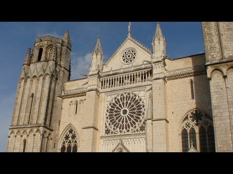 CATHEDRAL OF ST PETER (ST PIERRE), POITIERS, FRANCE