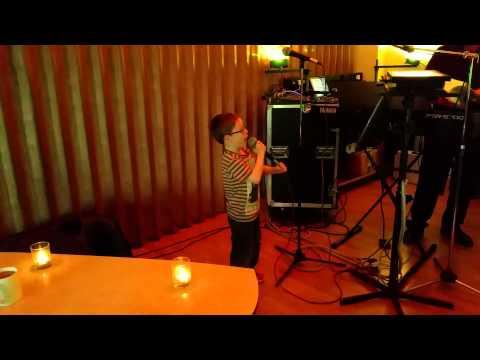 Robert Taylor singing 'Uptown Funk' on Karaoke