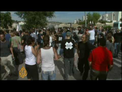 Israel cracks down on dissent