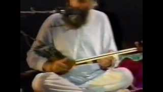 سه تار نوازی استاد لطفی، کنسرت ایتالیا Ostad lotfi, Setar, Italy