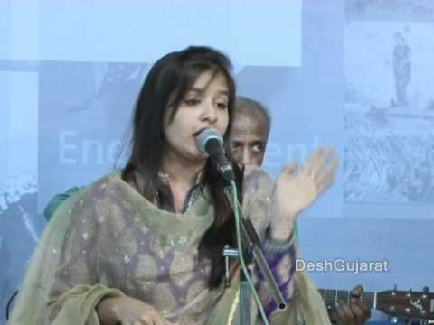 Aishwarya Majmudar singing ever green Gujarati songs