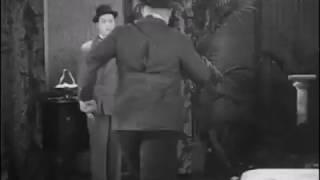 Детективы придурки Лорэл и Харди