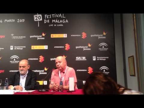 Agustín Almodóvar agradece el premio de FAPAE  y ComScore
