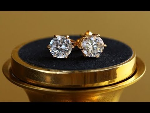 GOLD AND DIAMOND EAR STUDS DESIGNS