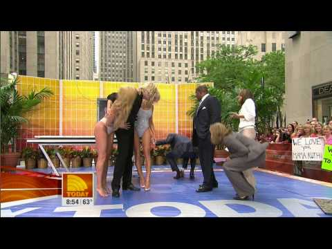 Pamela Anderson Magic Trick - Today
