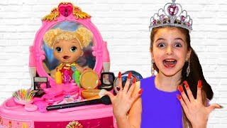 Masha Dress up a Princess and Magic Mirror Toy