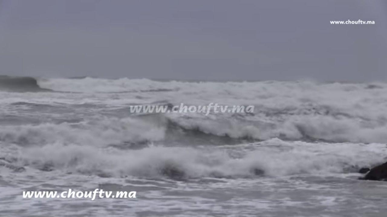 عكس ما يروج..أمواج عادية بكورنيش عين الذئاب بالبيضاء