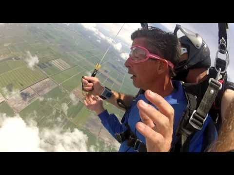 Man freaks out on Tandem Skydive
