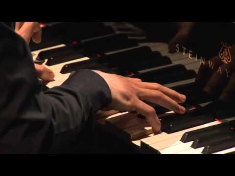 Vitaly Pisarenko plays Rachmaninov - Moment musicaux No. 3