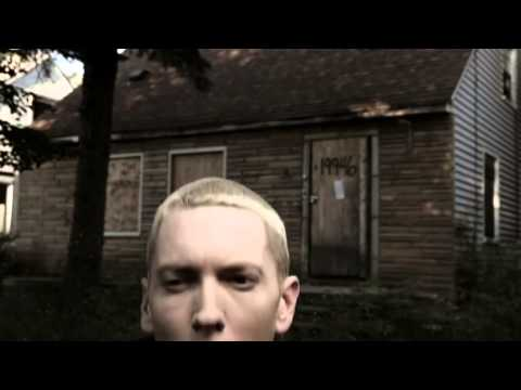 Eminem's Reaction When Iggy Azalea Tries To Freestyle Fast