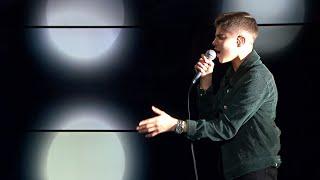 """16-åriga Bishra Morad uppträder med """"On my own""""  - Nyhetsmorgon (TV4)"""