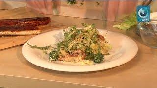 Салат с угрем и сыром Филадельфия под ореховым соусом