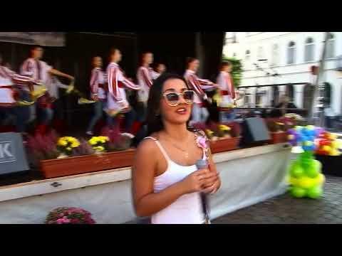 """""""ВІВАТ УКРАЇНО!"""" Українськи діти в Німеччині підкорили глядачів своїм концертом (фрагмент концерту)."""