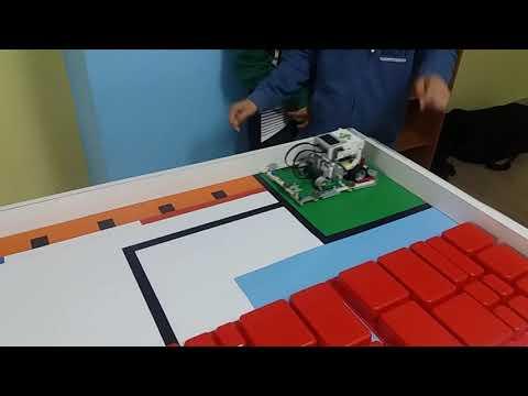 Lego EV3 robotics course #8