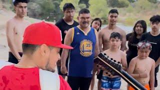 Este nińo y su papa fueron a buscarme al rio para q les cantara mi cancion la bicicleta- Jose Torres