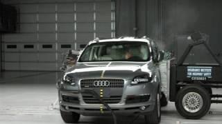 2008 Audi Q7 side IIHS crash test