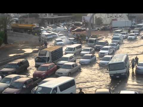 Cars Stuck on Jeddah Palestine Street Rain Day 17 Nov 2015