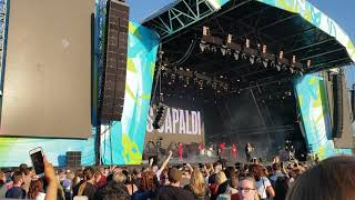 Lewis Capaldi HOLD ME WHILE YOU WAIT live Belsonic
